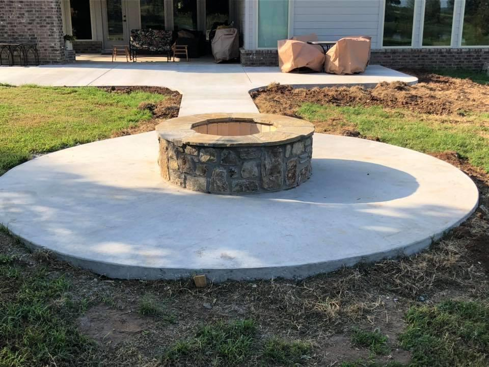 concrete-patio-and-firepit