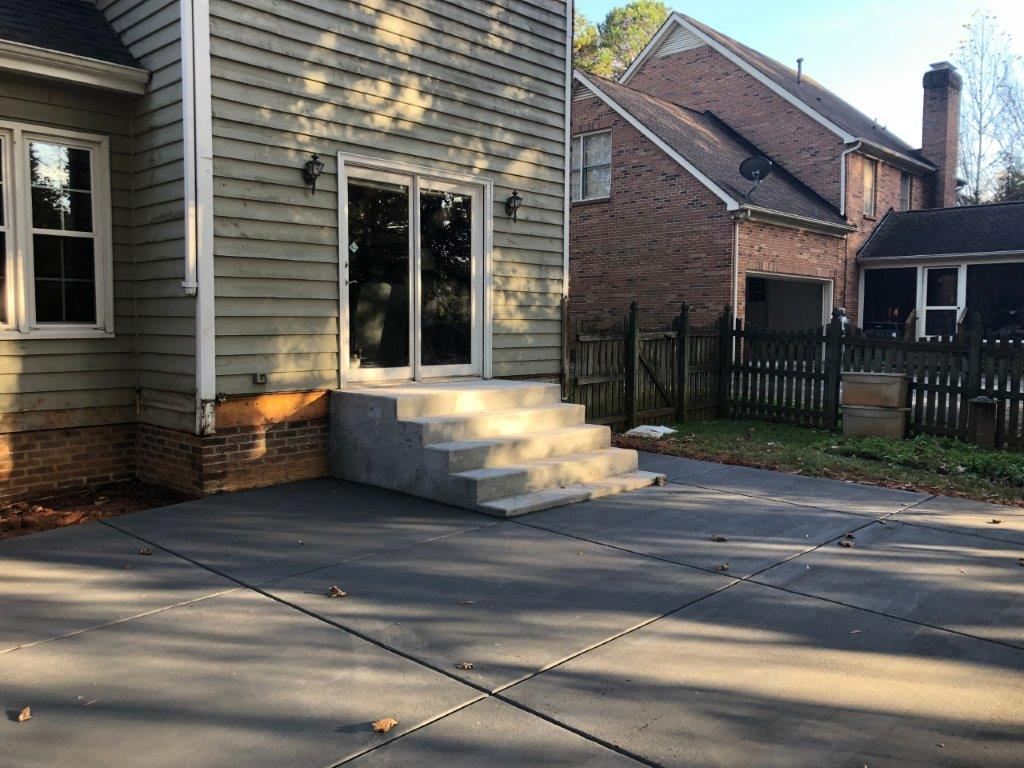 concrete-patio-and-stairs