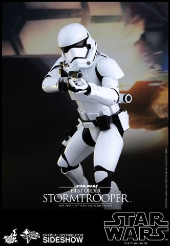 star-wars-first-order-stormtrooper-sixth-scale-hot-toys-902536-04