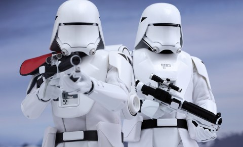 star-wars-first-order-snowtrooper-set-hot-toys-feature-902553-2