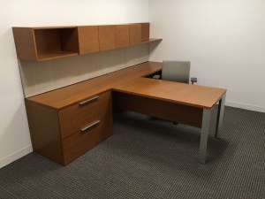 used-desk-gunlocke