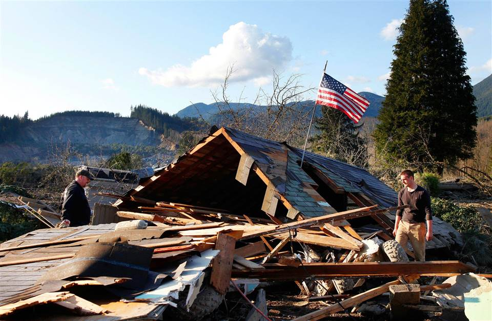 150321-140330-washington-mudslide-house-1018a-2134_2451b9eee105fbb61c300cfca85b17de.nbcnews-ux-960-700