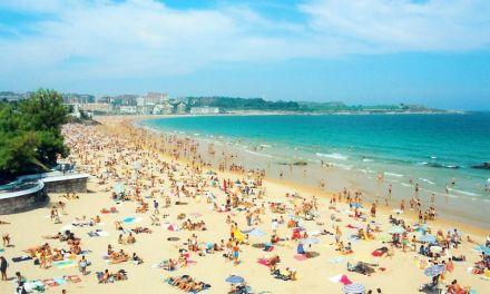 Sánchez: «Turistas, España os espera desde julio»