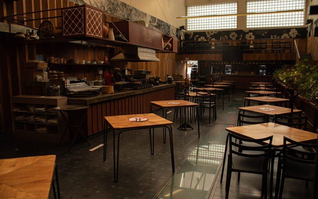 Protesta restaurantera en México: cacerolazos y reapertura sin permiso #AbrirOMorir