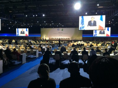 Global elected officials and leaders gather in Paris to listen to the COP 21 plenary.