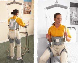 Ev içinde kullanılan bir engelli lift sistemi