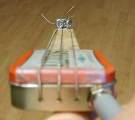 Altoids guitar