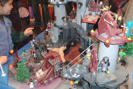 07 Ci sono i playmobile e non i lego... epic fail!