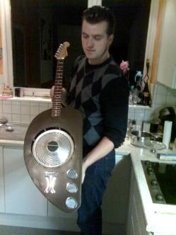 Vespa Guitar (11)