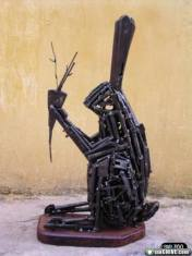 ak47-gun-sculpture-art-29