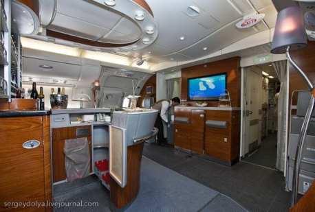 Emirates Airbus A380 (17)