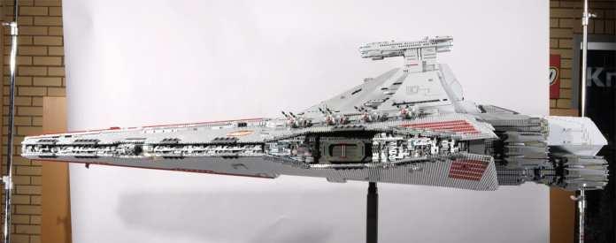 Venator Monster Lego fianco sx