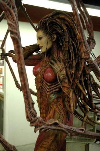 kerrigan-sculpture-from-starcraft15