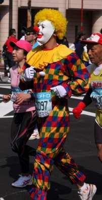 Clown Arlecchino perturbante