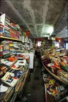 Libreria Acqua Alta 3