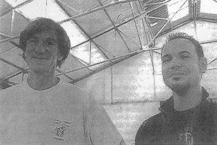 De gauche à droite : Franck Hamon, propriétaire et David Cragné, l'un des futurs occupants.