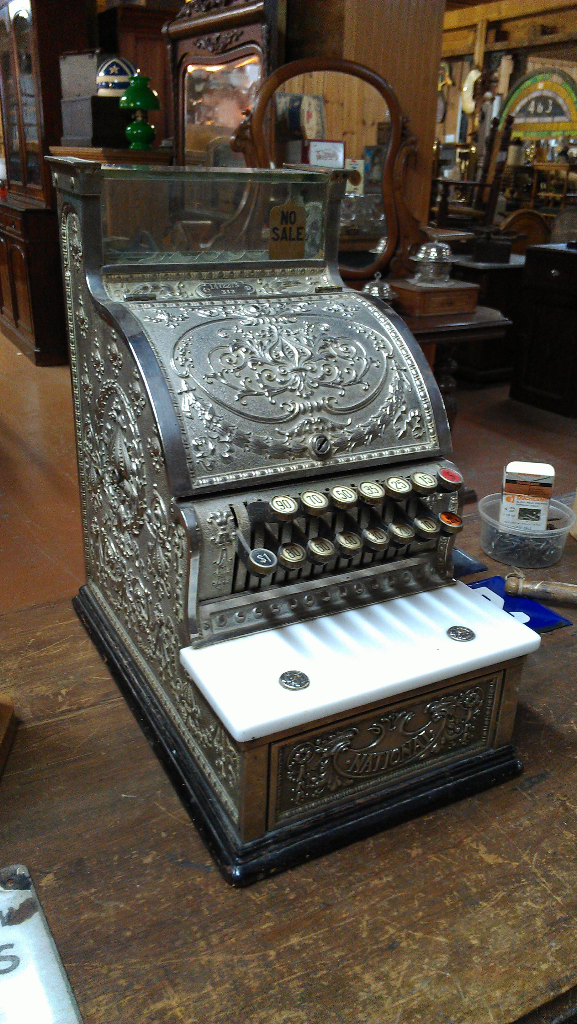 Caisse Enregistreuse Le Gant Antique