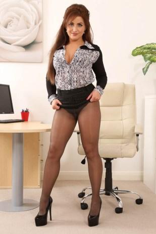 curvy-secretary-in-sheer-black-pantyhose-and-high-heels-05