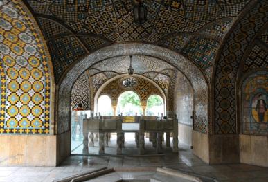 Golestan Palace, Karimkhān's Sanctum marble throne