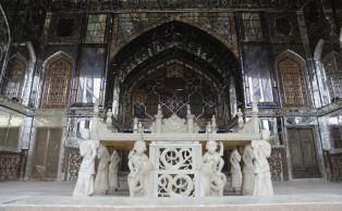 Takht-e-Marmar, Marble Throne
