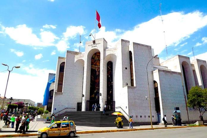 Corte de Arequipa otorga carné de atención a litigantes mayores de 80 años