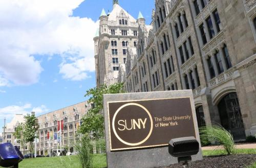SUNY sorting out 75,000 Excelsior Scholarship applications
