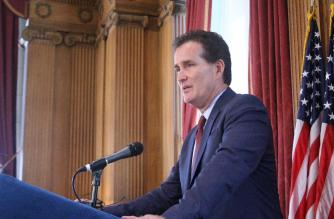 Senate majority leader seeks help for alcohol dependency