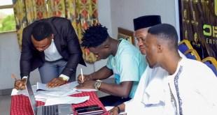 Warri Born Singer, Ternaz Signs a Multi-Million Naira Record Deal (Photos)