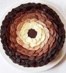 színátmenettel a torta körében elhagyja