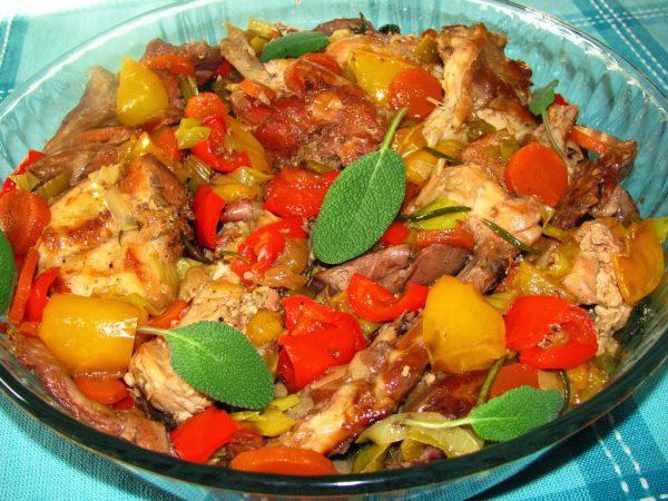 Viande de lapin avec légumes