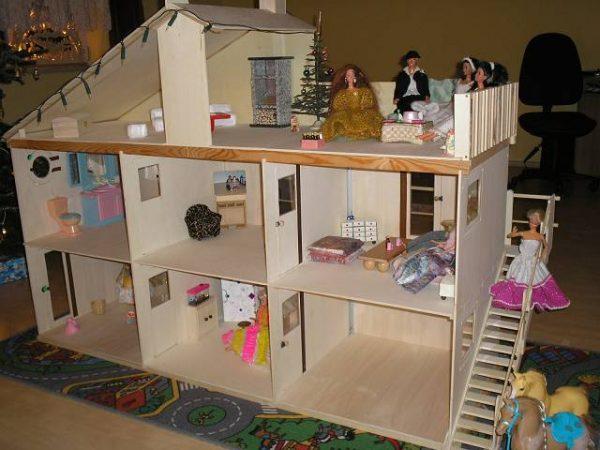 একটি dollhouse মধ্যে আলো