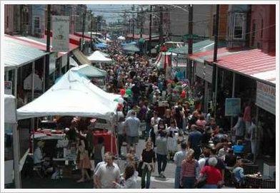L'un des 11 festivals de rues sponsorisés par Sorrento Lactalis. Ils attirent la foule !