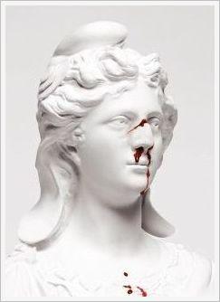 Depuis quelques temps Marianne se plaint de maux de tête. ( Image RSF)