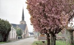 L'entrée du village de Vimarcé en Mayenne