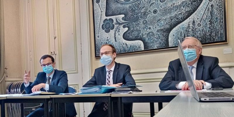 Conseil municipal Laval : conférence de presse.