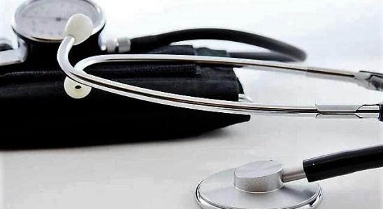 Le medecin généraliste et son stéthoscope