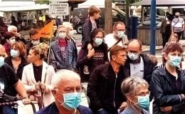 Dans la foule des manifestants à Mayenne en Juin 2021