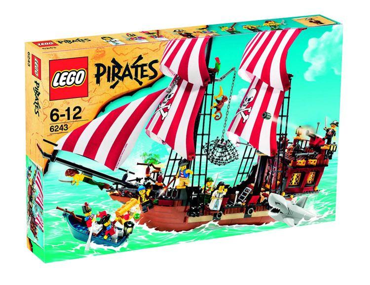 赤ひげ船長の海賊船