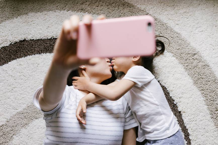 4-most-important-tips-for-any-mom-with-a-public-instagram-or-facebook-account