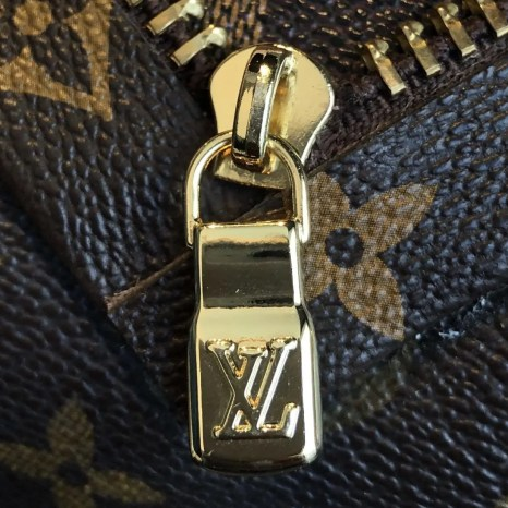 fake-louis-vuitton-zipper-pull