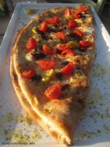 Calzone Pomo - Pizzeria Beach Garden - Izola