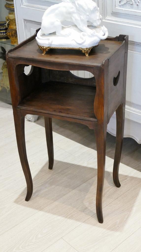 table de chevet ou a encas en bois naturel epoque louis xv xviii eme