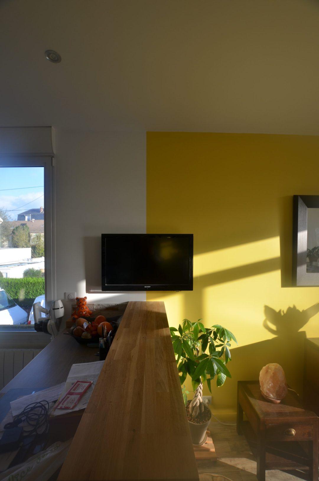 peinture jaune Delvaux