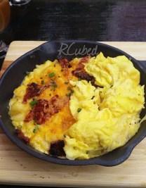 Breakfast Mac 'n Cheese with scrambled eggs and Jurassic Pork bacon