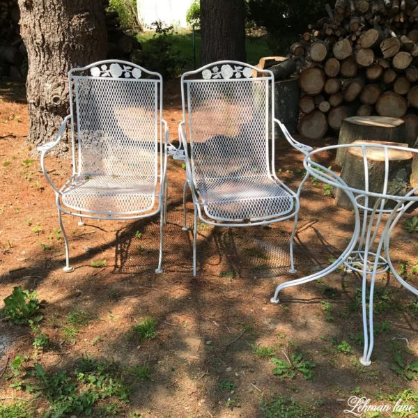 Spray Paint Patio Furniture   Our Vintage Wrought Iron Patio Set     Spray Paint Patio Furniture   before