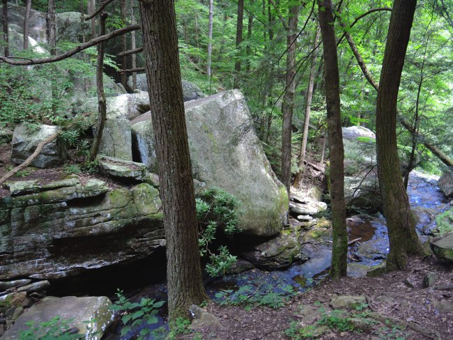 hike-rock-2