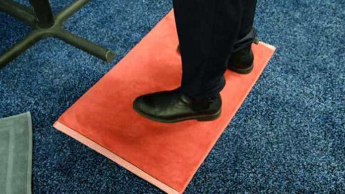 Bath mat that monitors weight, posture & body composition unveiled
