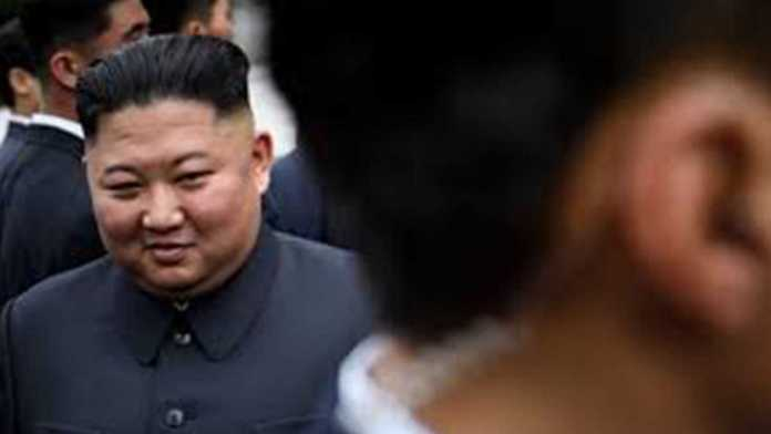 Kim Jong-un makes his first public appearance in 20 days