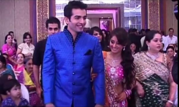 Jay Bhanushali And Mahhi Vij Celebrate 10th Wedding Anniversary In Cutest Way