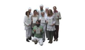 Gruppenbild bei der Zertifikatsübergabe KRI Kundalini Yogalehrer Level I